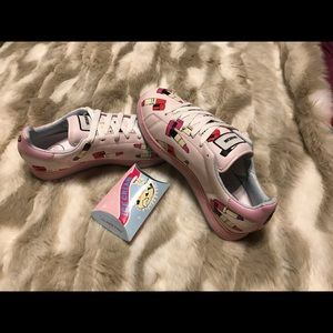 Ice cream 🍦 shoes 👟